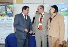 Joan Antoni Melé (Subdirector General de Triodos Bank), Félix Balboa y María Lezaun (Presidente-Fundador y Vicepresidenta-Fundadora de Fundación Phi)