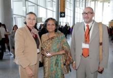 Ishrat Shamin (Presidenta Fundadora del Centro de Estudios de la Mujer y de la Infancia en Bangladesh), Félix Balboa y María Lezaun (Presidente-Fundador y Vicepresidenta-Fundadora de Fundación Phi)