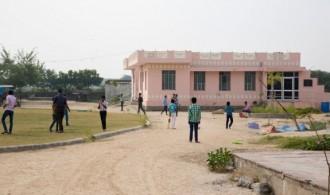 Child-Inn (Aldea Infantil Jhag y su Escuela, Prem-Pathshala), en Jaipur