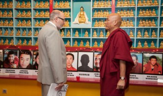 Fundación Casa del Tibet - Venerable Geshe Thubten Wangchen y Pujya Swami Rameshwarananda Giri Maharaj
