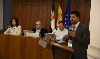 Prof. Shyam Diwakar en la Asamblea de Extremadura