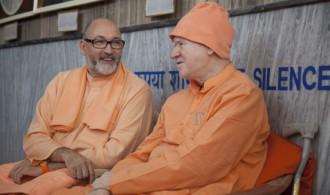 Pujya Swami Rameshwarananda Giri Maharaj y H.H Swami Vimalananda Saraswati
