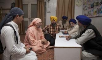 Bhai Parmjit Singh - Sri Darbar Sahib - Parikarma