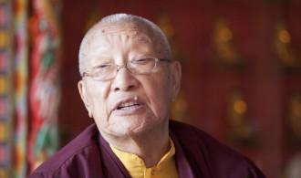 His Eminence Khamtrul Rimpoche