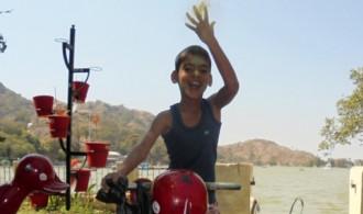 Shivam celebrando el Happy Holi
