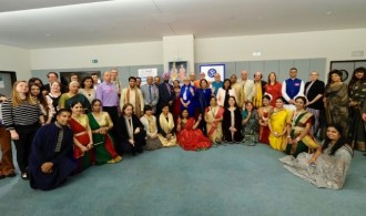 Miembros del Hindu Forum y europarlamentarios