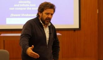 Dr. Adrián Llerena
